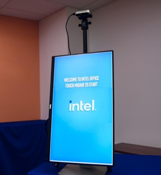 Intel oferuje tanią alternatywę dla dotykania kiosków