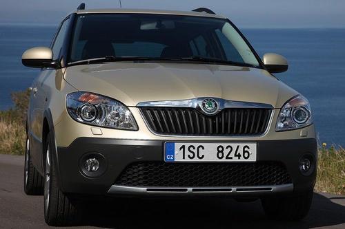 Skoda Fabia II Scout Hatchback 1,6TDI CR DPF (75KM) M5 5d