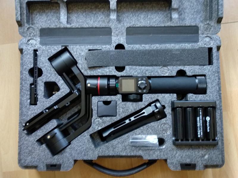 Feiyutech AK2000 w walizce
