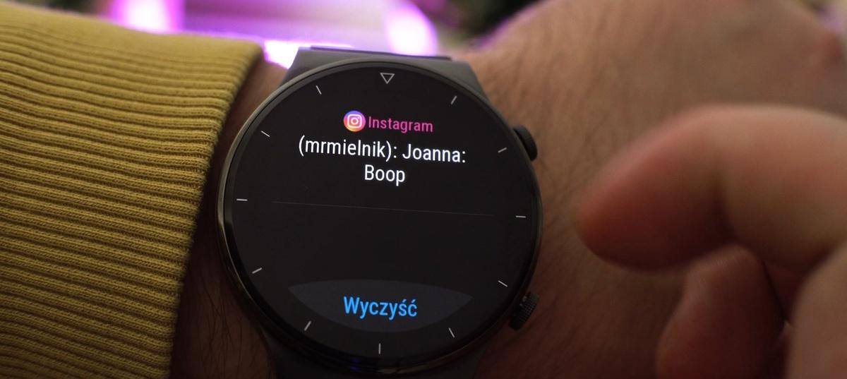 Zegarek obsługuje powiadomienia, ale nie pozwala na nie odpowiadać