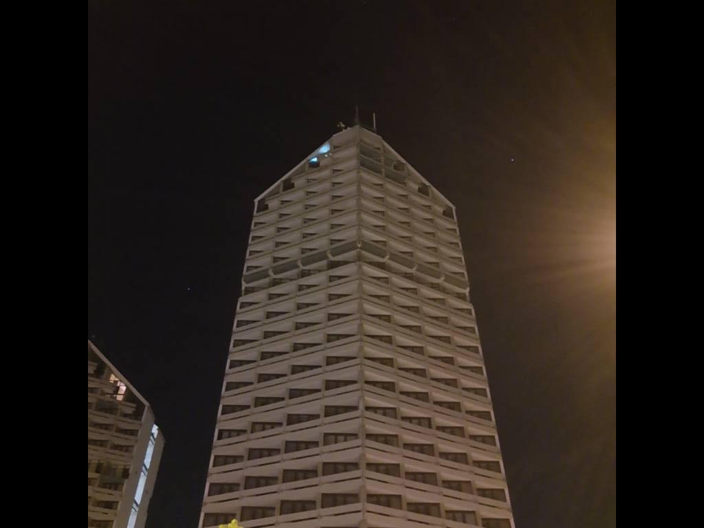Motorola One Action - kredka w trybie auto nocą