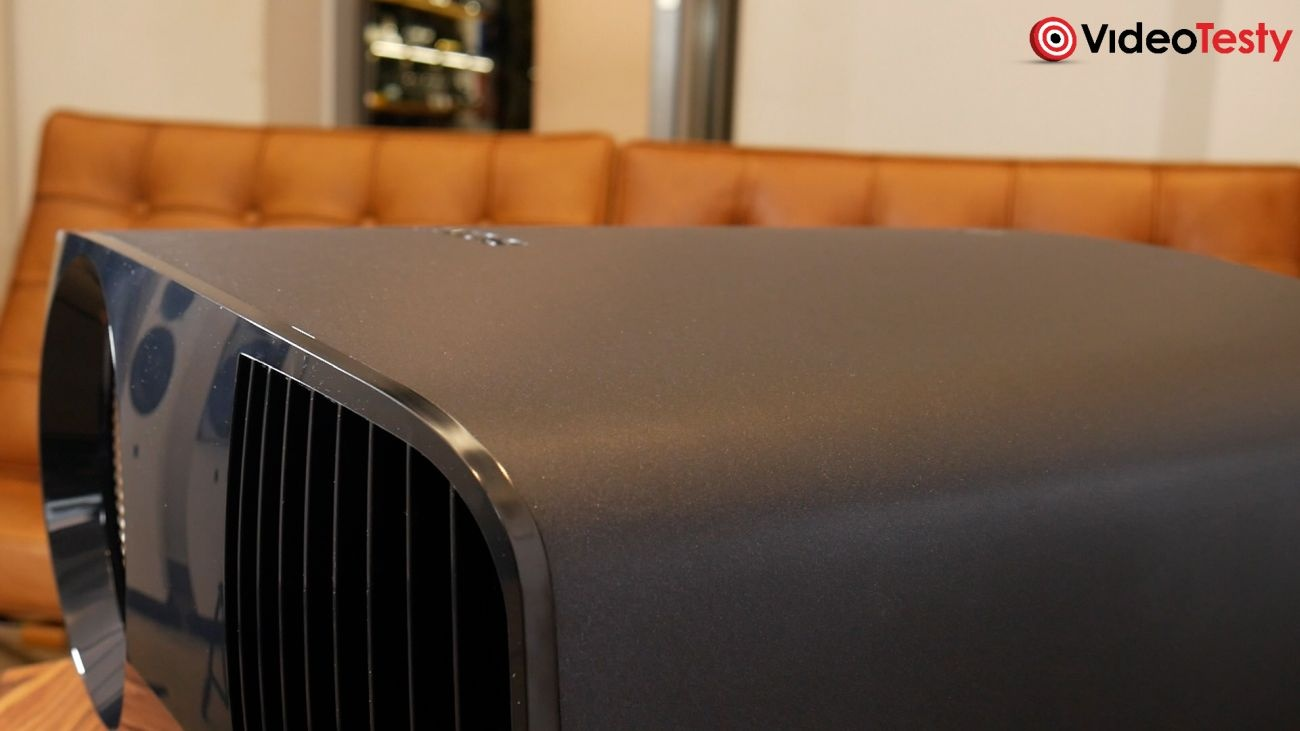 SONY VPL-VW590ES obudowa z boku