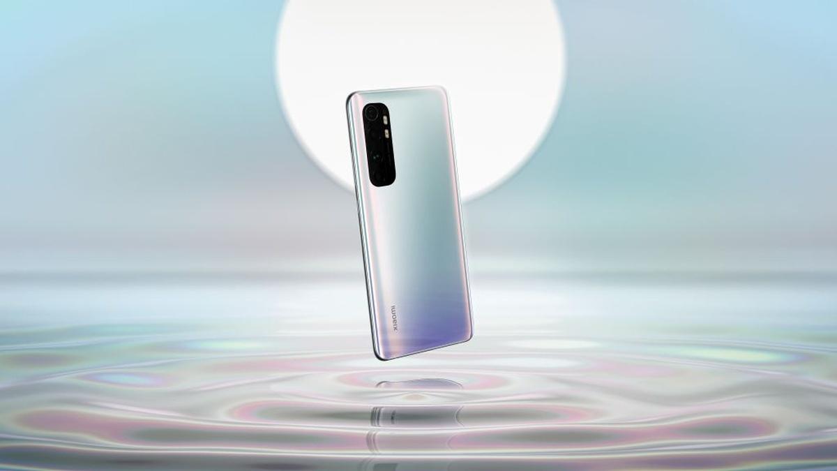 Xiaomi Mi Note 10 Lite w znacznej mierze przypomina poprzednika