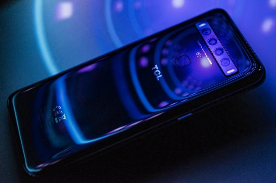 TCL 10 5G i jego cena na razie pozostają tajemnicą