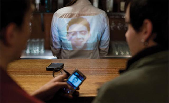 PORADA: Jak Oglądać Filmy na Projektorze? - Samsung MBP200