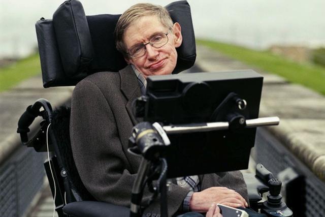 Stephen Hawking Zawitał Na Facebooka