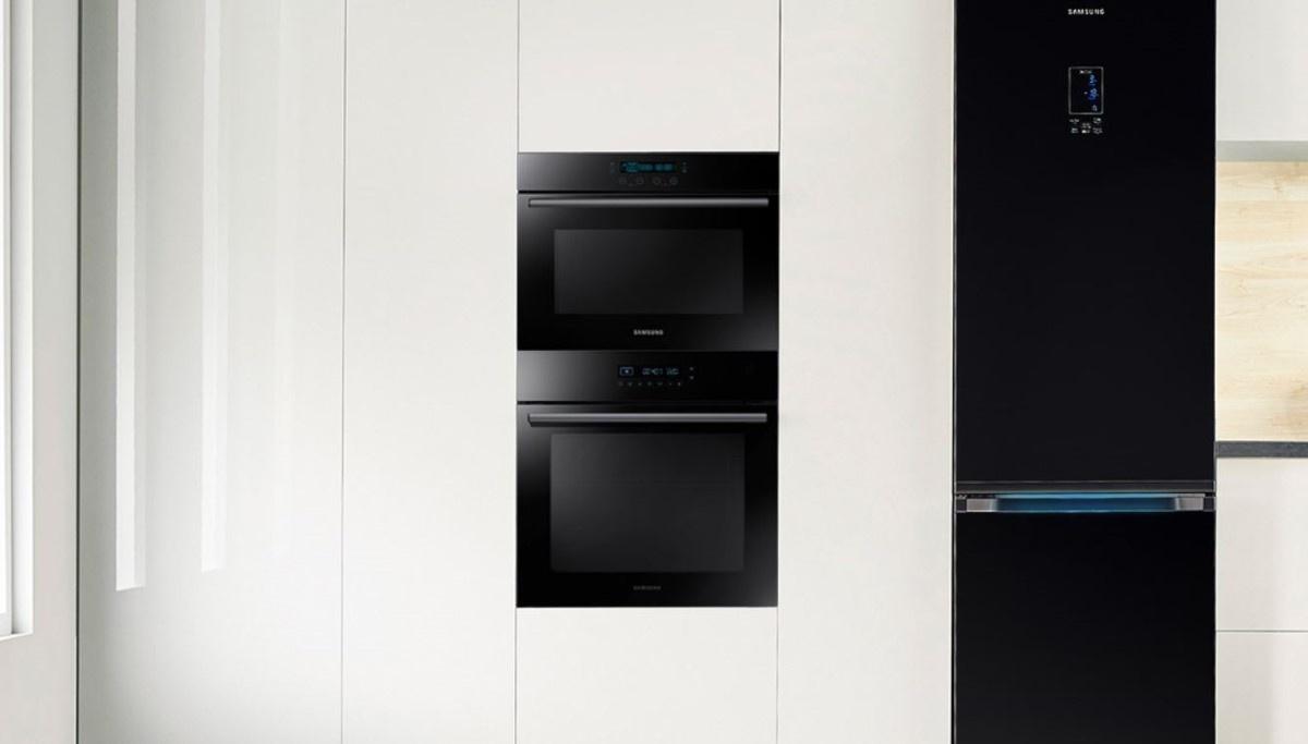 Samsung Dual Fan NV68R5345CB w kuchni