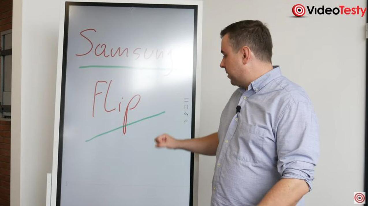 napis na samsungu flip