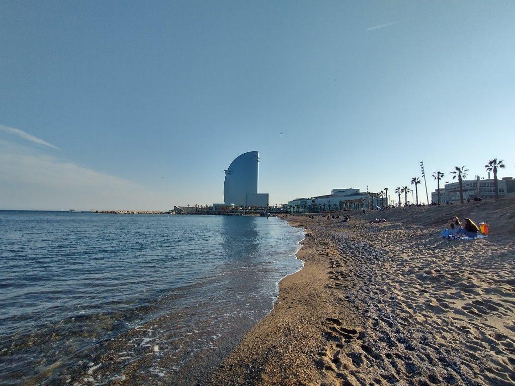 Barcelońska plaża w trybie HDR
