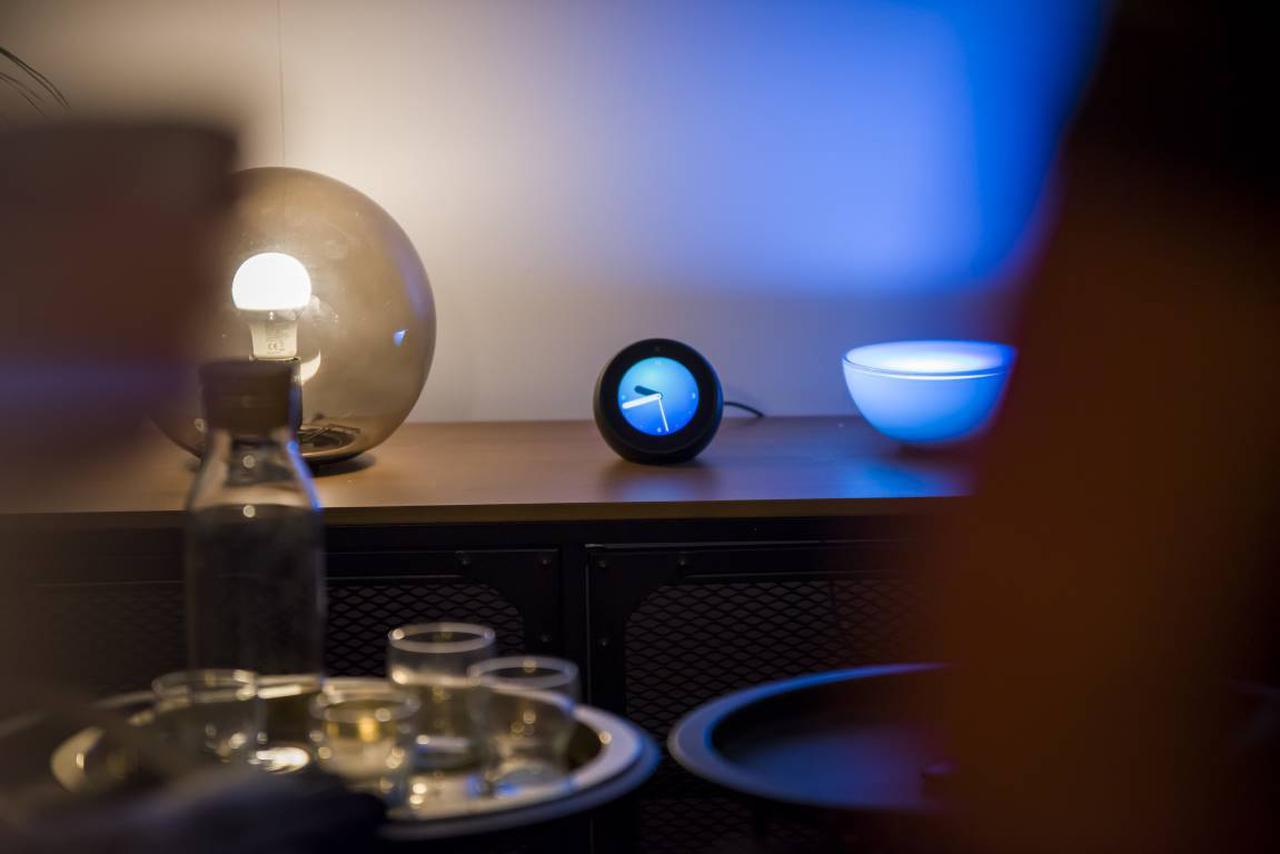 Tak niewielki zegarek może być centrum domowej rozrywki, także w trybie offline (Źródło: Biuro Prasowe Amazona)