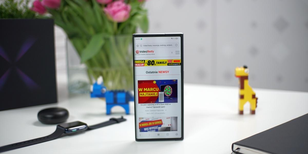 Oppo X 2021 zachowuje wygląd klasycznego smartfona