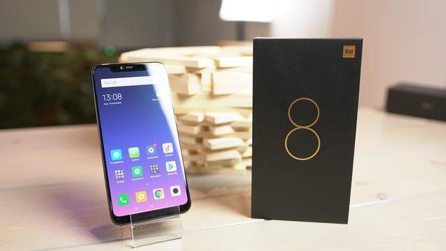 Xiaomi Mi 8 Pro - Wyjątkowy smartfon już w sprzedaży!