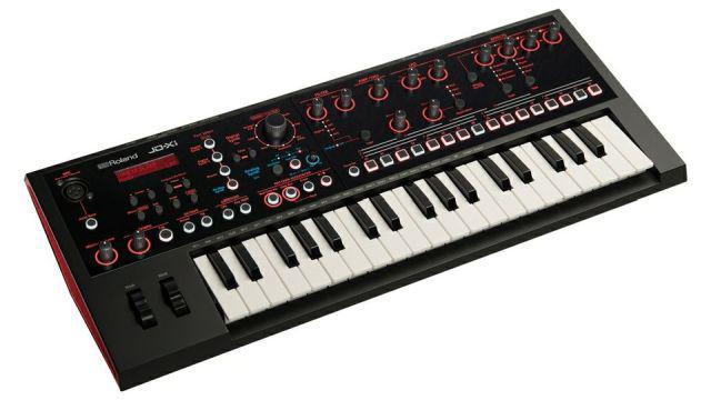 Syntezator Roland