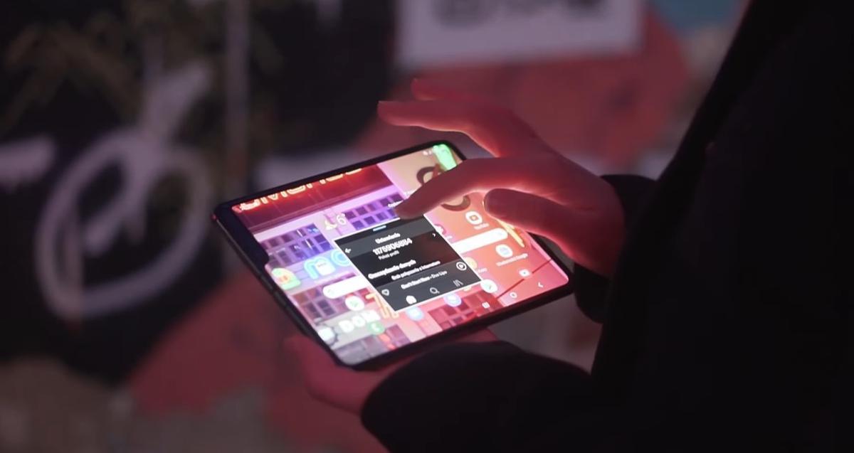 Galaxy Fold pozwala na otwieranie aplikacji w pływających ikonkach