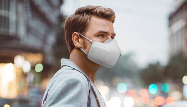 LG Puricare Wearable Air Purifier oczyszcza wdychane powietrze
