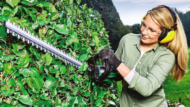 Mocne sekatory spalinowe, to broń dla profesjonalistów przy pielęgnacji ogrodu