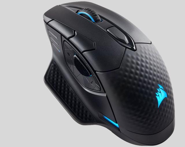 Myszka Dark Core od Corsair posiada konfigurowalne podświetlenie.