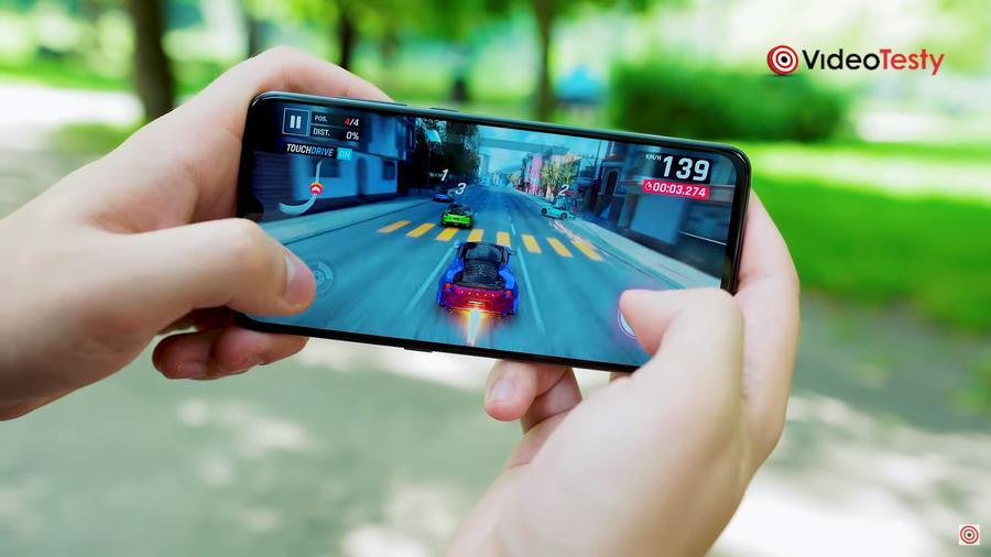 Xiaomi Mi 9 to najwydajniejszy telefon nie tylko w swojej cenie, ale i na rynku