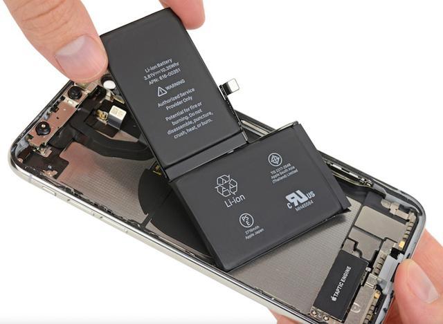bateria w iphone x (zrodlo: ifixit)