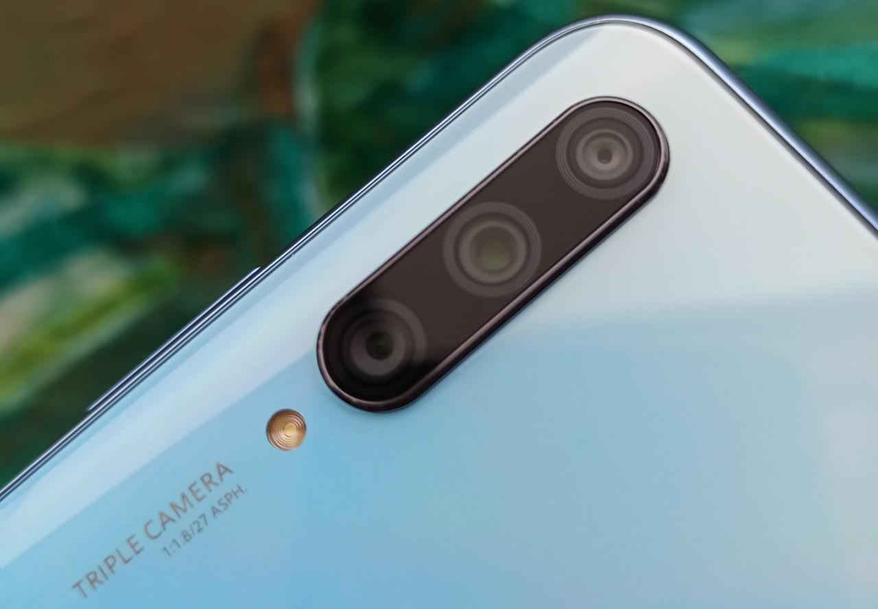 Huawei P Smart Pro posiada trzy aparaty z tyłu