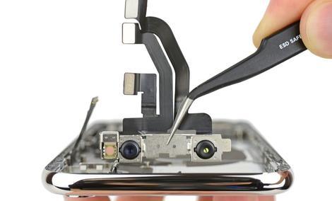Poznaliśmy Wnętrze Smartfona Apple iPhone X!