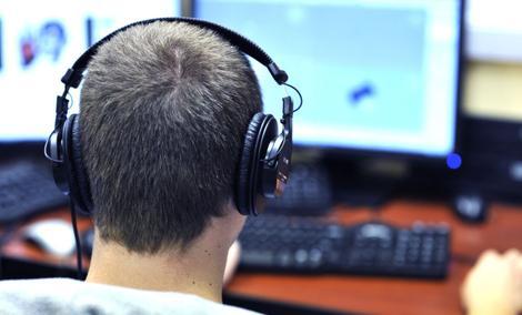 Cichy i Wydajny Komputer - Jak Taki Zbudować?