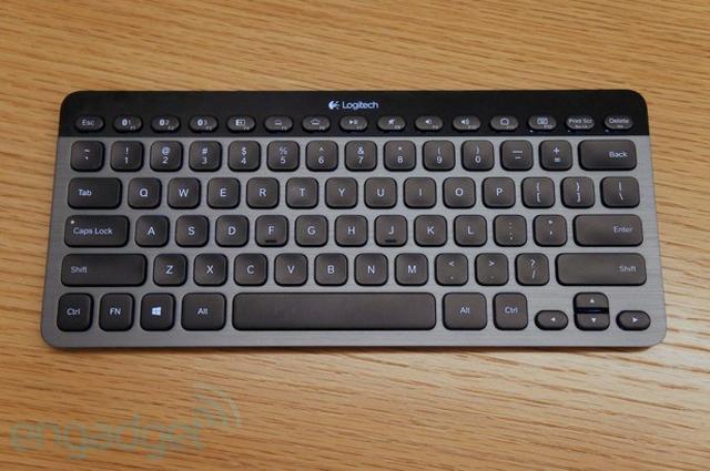 Logitech Bluetooth Illuminated Keyboard K810 - funkcjonalna klawiatura