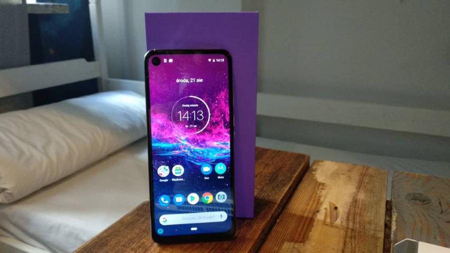 Motorola One Action oferuje czystego Androida na start