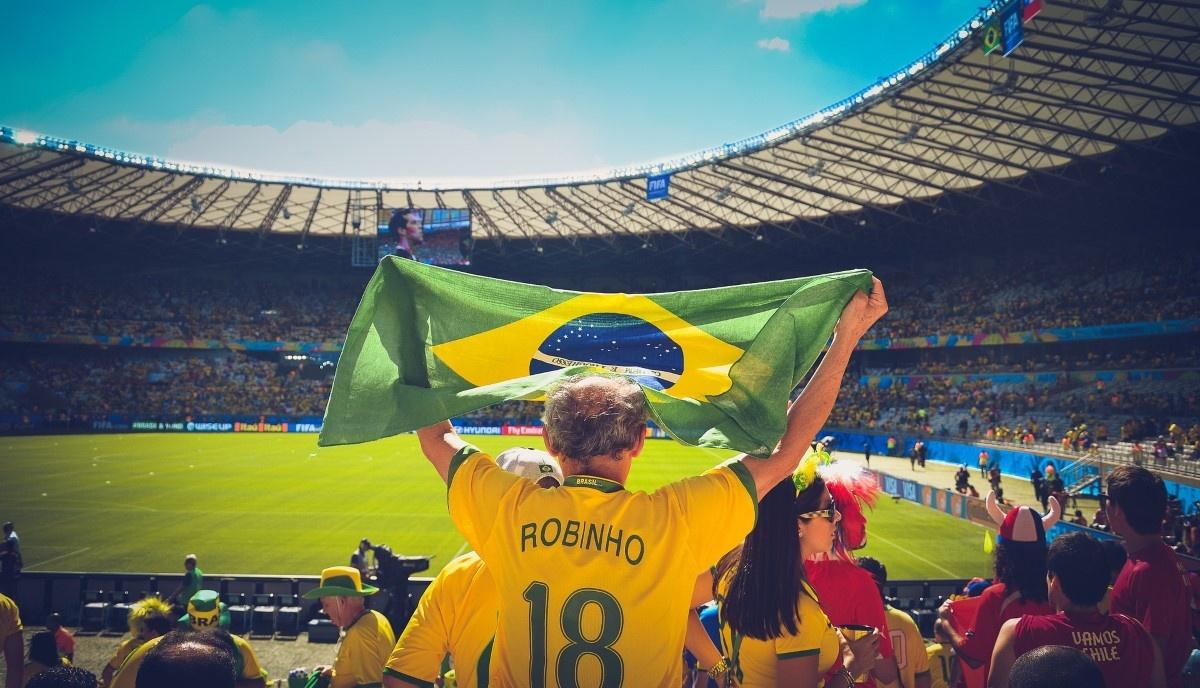 Człowiek kibicujący Brazylii