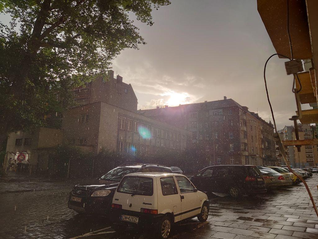 Sony Xperia 1 II - zdjęcie pod słońce