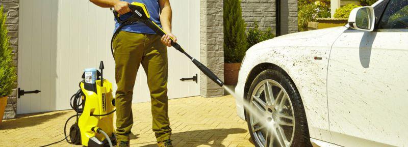 mycie samochodu dobrą myjką