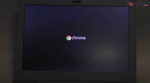 Google Chromebook - unboxing i prezentacja notebooka
