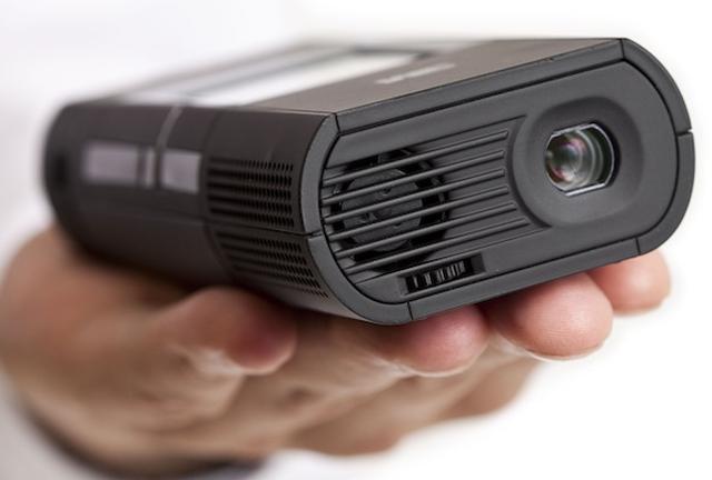 3M MP180 - kieszonkowy projektor, idealny do biznesowych prezentacji