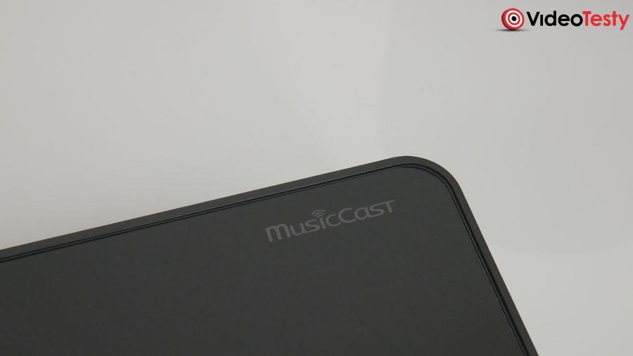 Yamaha MusicCast logo na soundbarze bar400