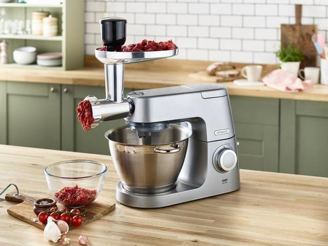 robot kuchenny z maszynką do mielenia mięsa