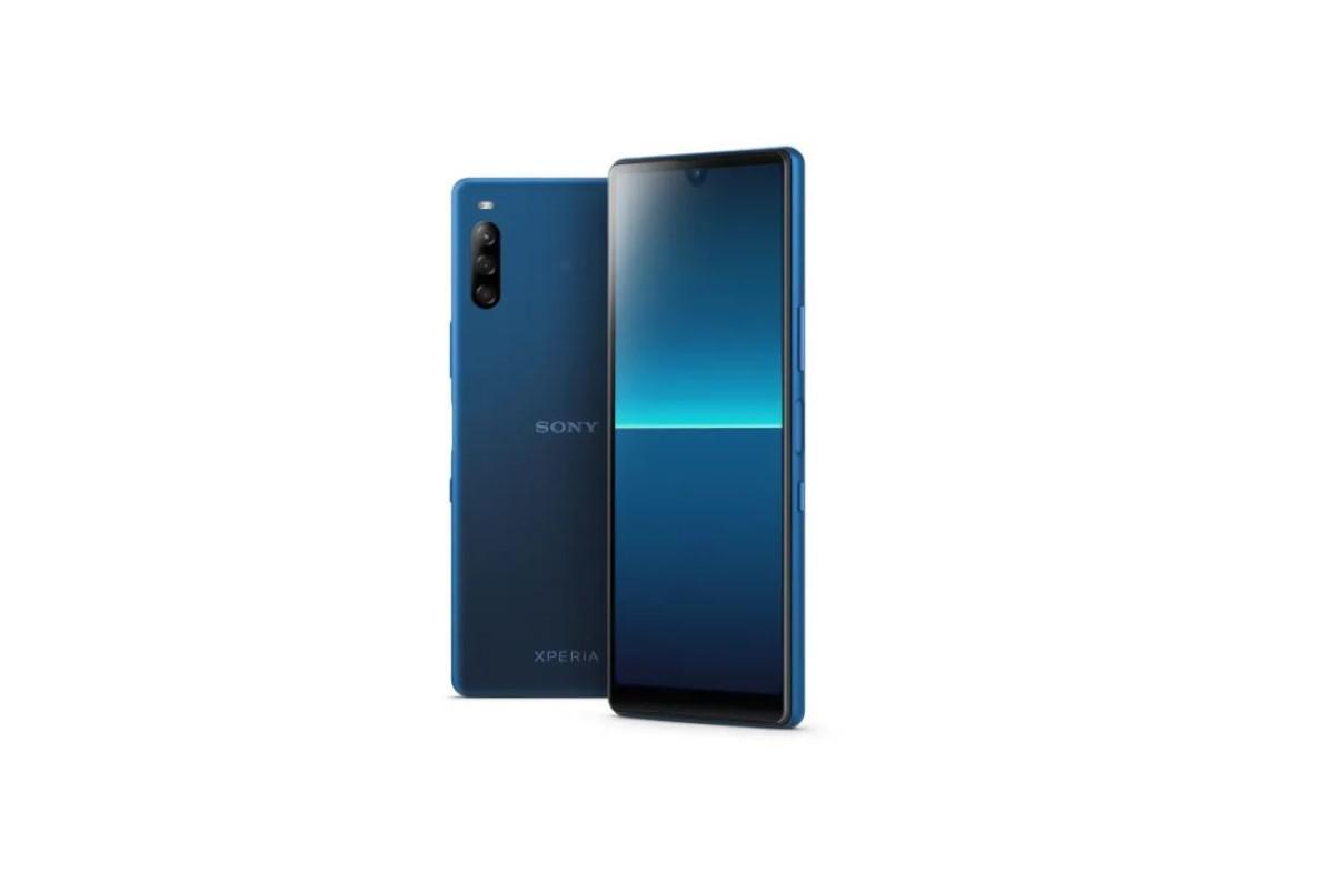 Niebieska Sony Xperia L4 na białym tle