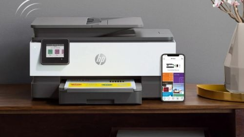 HP Officejet Pro 8023 (1KR64B) na stole