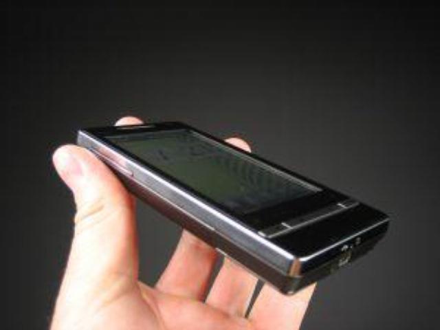 HTC Diamond2 vs iPhone 3G