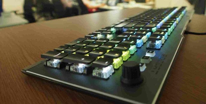 ROCCAT stworzył własne przełączniki i już użył ich w najnowszej klawiaturze!
