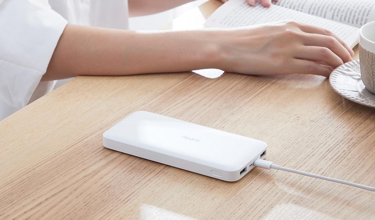 Powerbank Xiaomi Redmi 10000 mAh pozwoli naładować dwa urządzenia