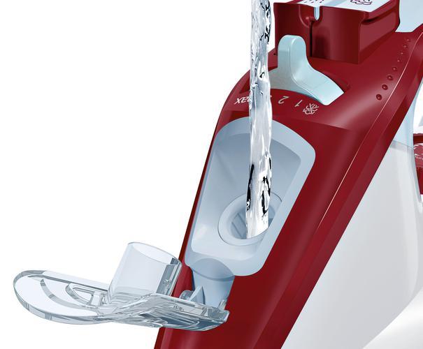 nalewanie wody do zbiornika w Bosch TDA3024010