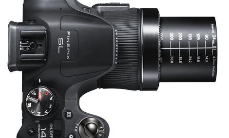 Fujifilm Polska wprowadza na rynek nowe modele aparatów Fujifilm FinePix serii SL