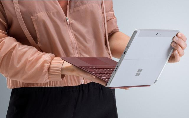 Microsoft Surface Go - klawiatura