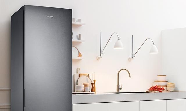 Lodówka Samsunga oczarowuje chłodnym, metalowym designem