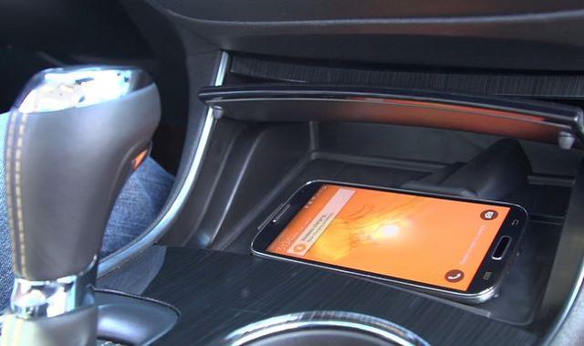 Samochody z Bezprzewodowymi Ładowarkami do Smartfonów