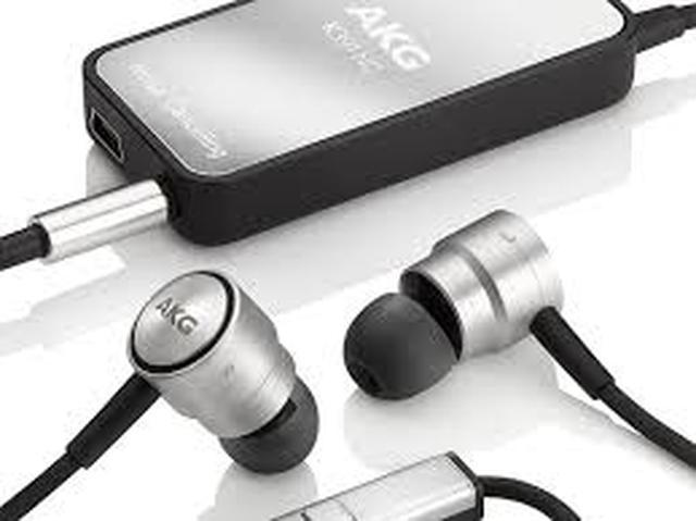 AKG K391NC - słuchawki douszne idealne dla iPhone'a
