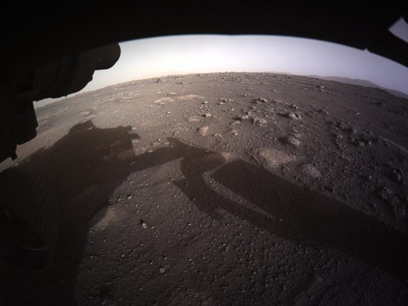Pokolorowane zdjęcie z łazika Perseverance na Marsie. Źródło: NASA/JPL Caltech
