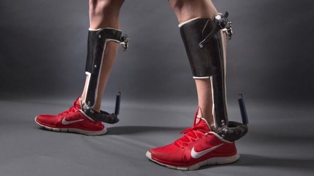 Innowacyjny Egzoszkielet, Który Ułatwia Chodzenie