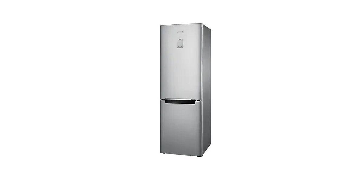 lodówka w srebrnym kolorze