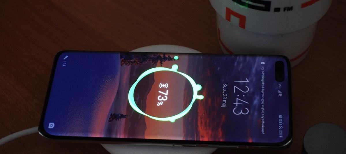 Huawei'a P40 Pro naładujemy bezprzewodowo